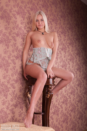 Sexy Blonde Teen Gets Naked 01