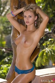 Natasha Anastasia Gets Naked On A Tropical Beach 03
