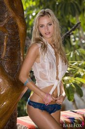 Natasha Anastasia Gets Naked On A Tropical Beach 07