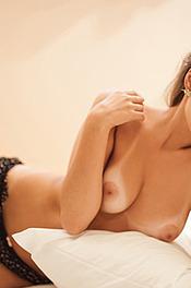 Alluring Naked Priscila Kaohana 03