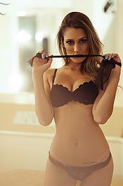 Alluring Naked Priscila Kaohana 12