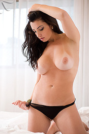 Brazilian Naked Beauty Sabrina Santos 10