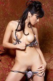 Round Tits 06