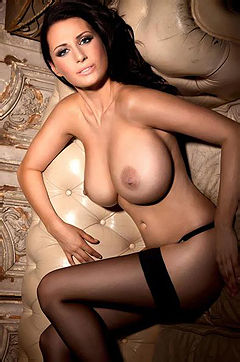 Sammy Braddy Exposes Her Huge Breasts