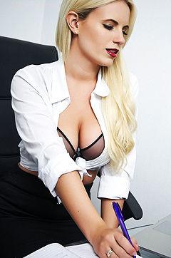 Babes: The Hottest Secretary