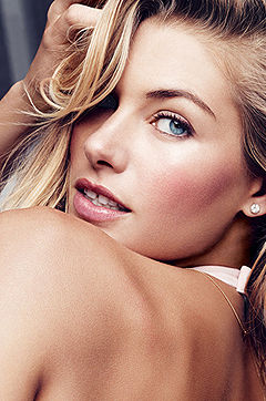 Babes: Jessica Hart