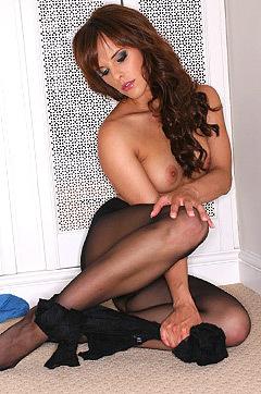Babes: Sexy Milf Mackenzie In Lingerie