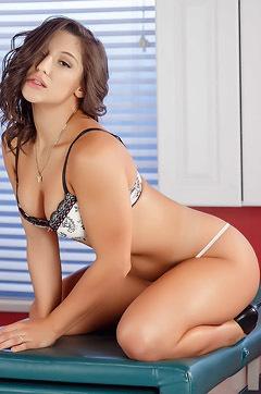 Famous Pornstar Hottie Abella Danger