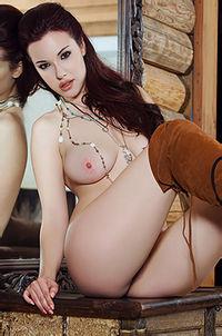 Beauty Brunette Playboy Cybergirl Elizabeth Marxs