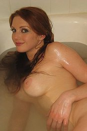 Real Gf Veronica Bath Time 14