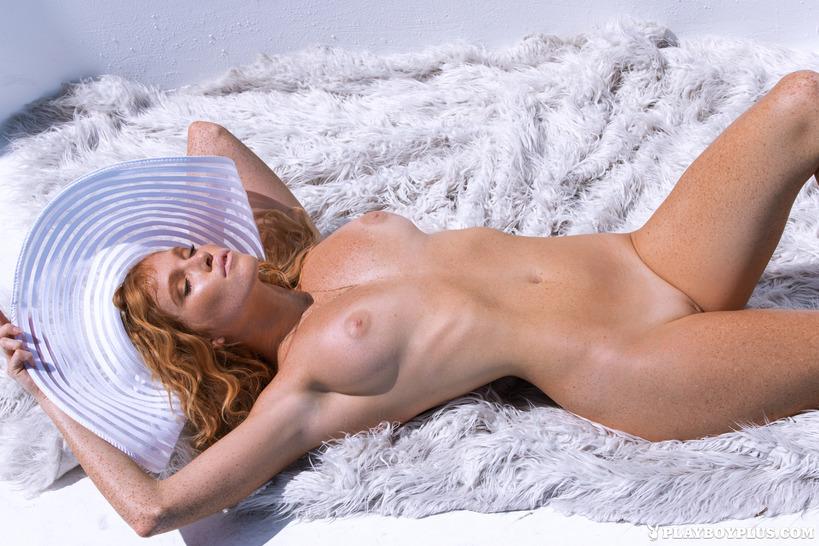 Elizabeth nackt Ostrander Elizabeth Ostrander
