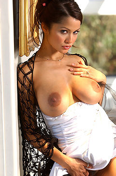 Hot French Brunette Alley
