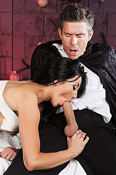 Audrey Bitoni Gets Nailed