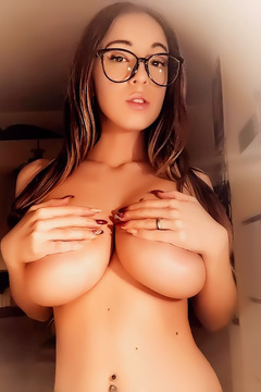 Busty Italian Influencer Martina Finocchio