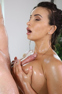 Alyssia Kent Deep Sucking